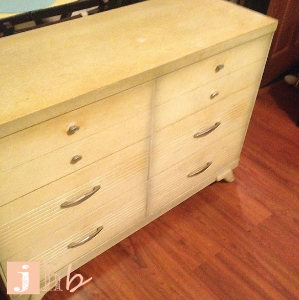 Craigslist Catch: Mid Century Dresser