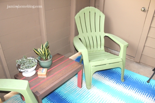 Color Blocked Patio Table Tutorial